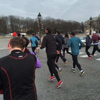 Traversée de la Place de la Concorde