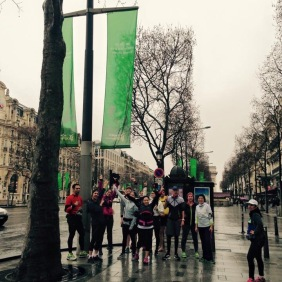 Sur les Champs sous la bannière du Marathon de Paris